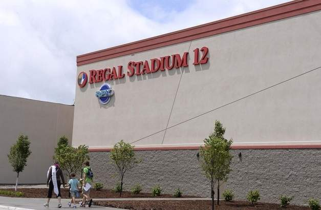 Regal 12 Lansing