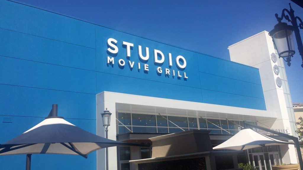 Studio Movie Grill Simi Valley