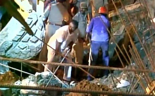 Seven construction workers dead under mud after landslip