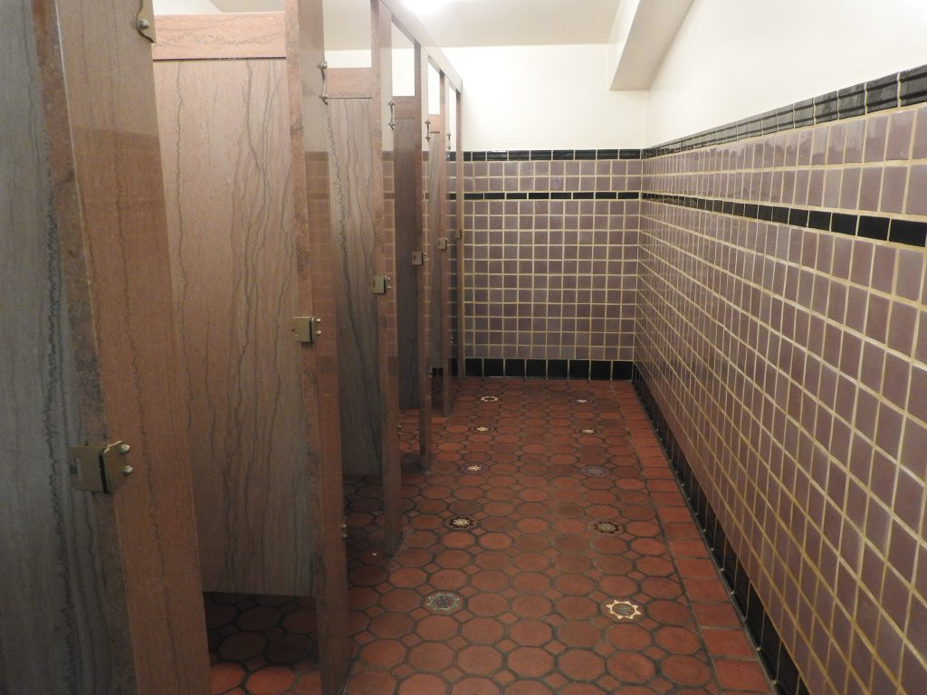Clean and stylish toilets in The Avalon Theatre, Catalina. (photo: Patrick von Sychowski / Celluloid Junkie)