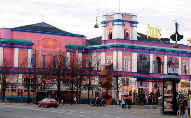 Purple & pink Palads cinema. (photo: Tomasz Sienicki)