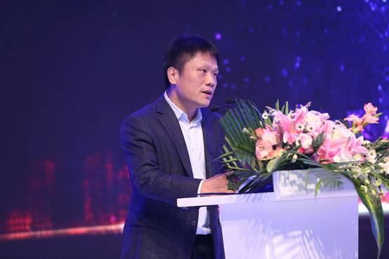 Baidu's Zeng Liang speaking in Beijing. (photo: People's Daily)