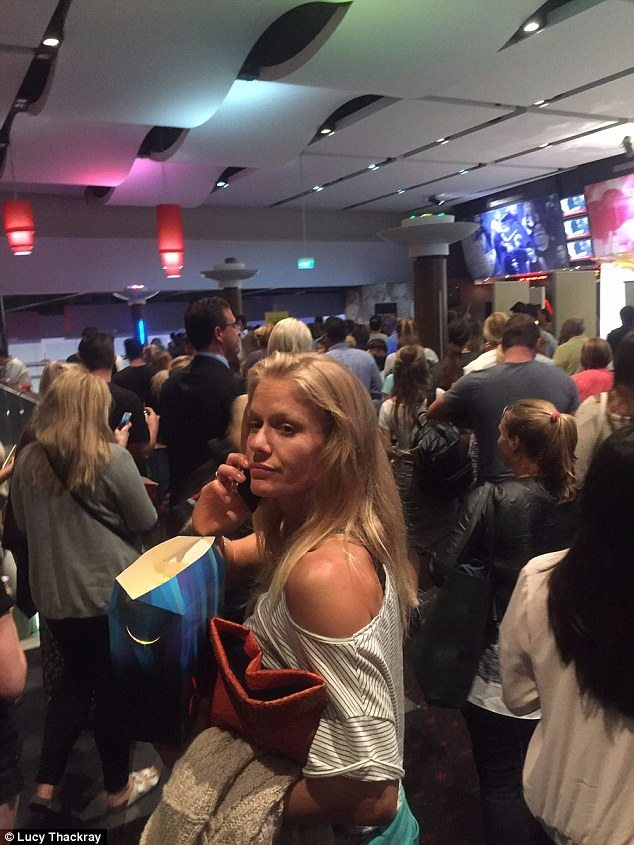 Event Cinema, Bondi Beach evacuation. (photo: Lucy Thackray)