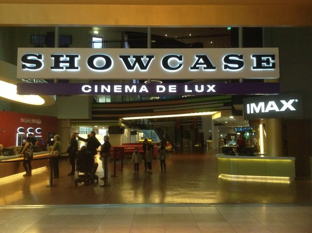 Showcase Cinemas de Lux Bleater - new screens and recliners. (photo: Cinema Treasures)