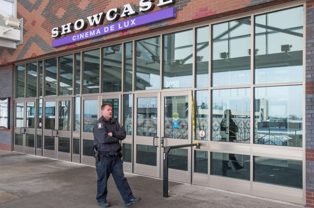 Police outside the Showcase cinema in Yonkers. (photo: JC Rice / New York Post)