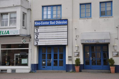 Cinema re-opening in Oldesloe. (photo: Fofana)