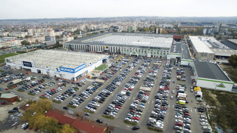 Electroputere Parc mall in Romania. (photo: Romania Insider)
