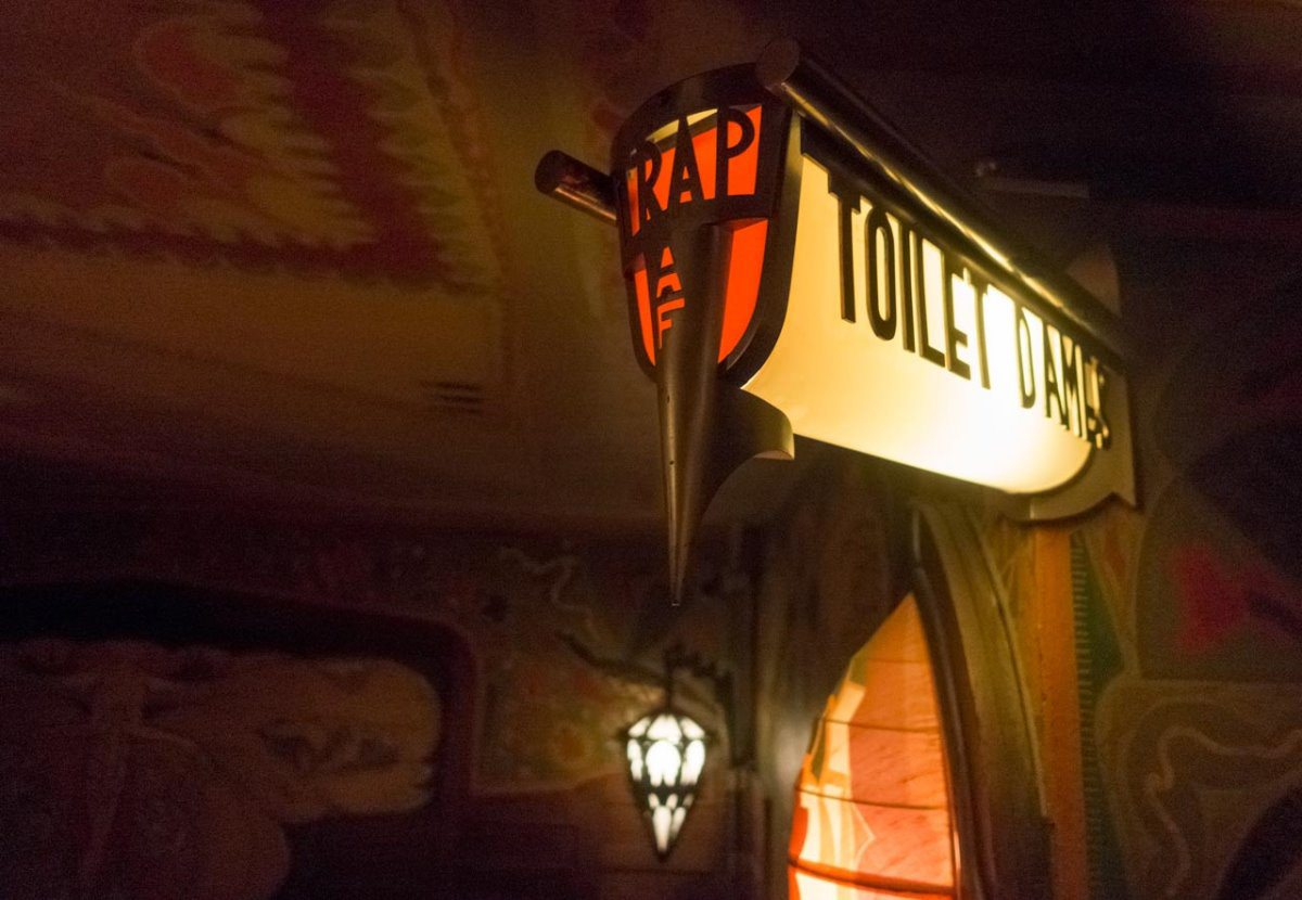 Tuschinski Theatre Women's Restroom