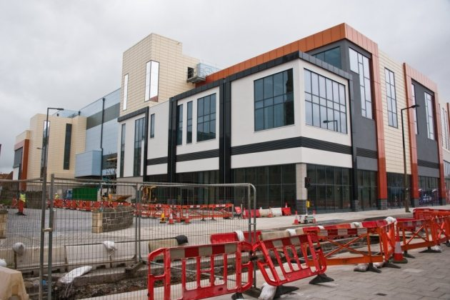 Dolphin Square, future home to Cineworld. (photo: Mark Atherton / Weston Mercury)