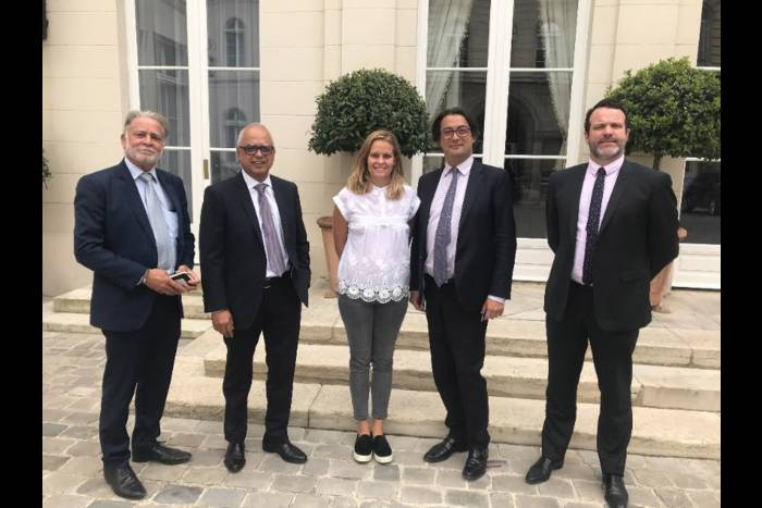 French overseas cinema operators meet Ministry of Overseas Affairs. (photo: clicanoo)