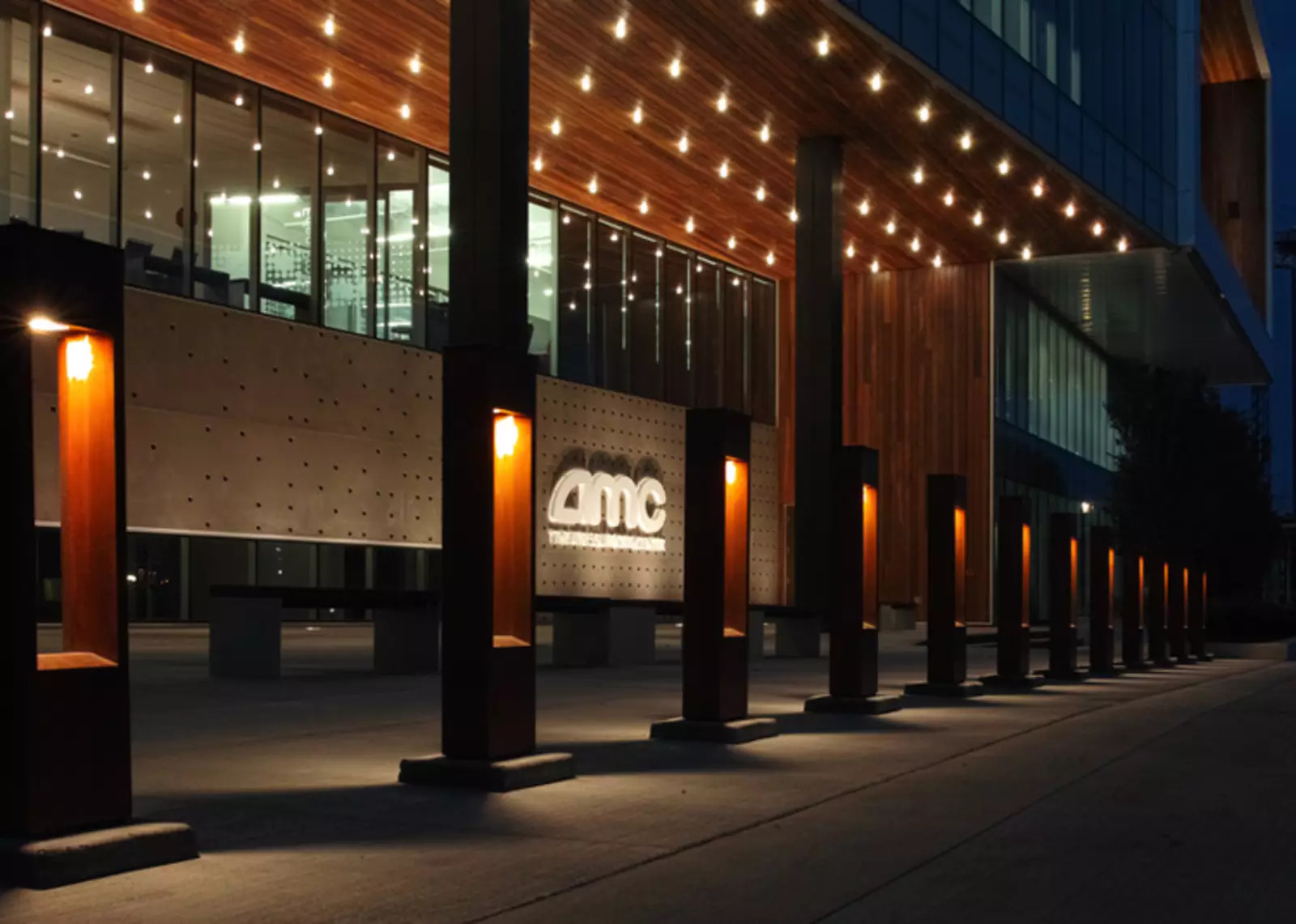 AMC Stock: AMC Entertainment Makes a Stunning Move: More Short Squeeze On The Way?